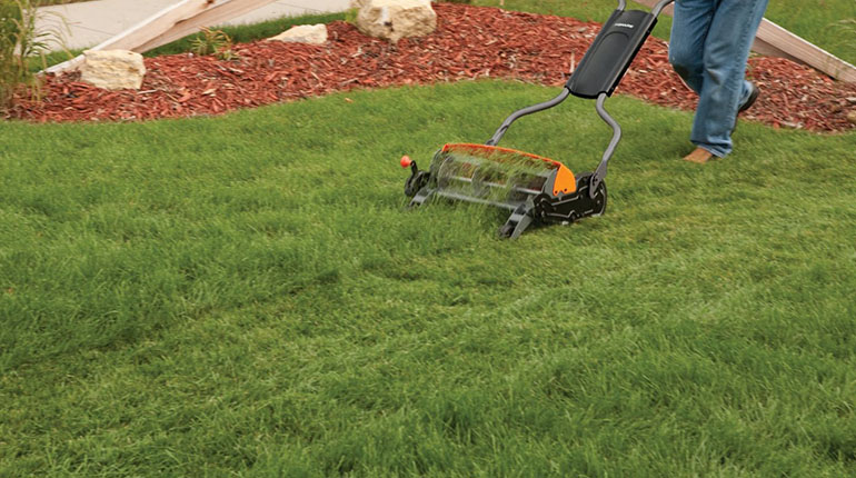 Fiskars Staysharp Max Reel Mower Review