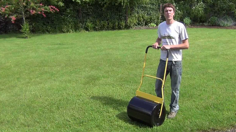 Best Lawn Roller of 2016 – Push and Tow