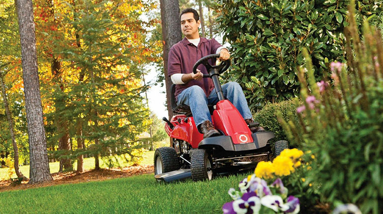 Troy-Bilt TB30R Neighborhood Riding Lawn Mower Review